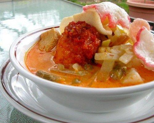 Lontong Sayur Jakarta Spesial Lebaran