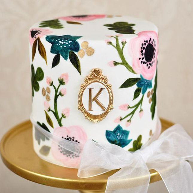 20 Hand-Painted Wedding Cakes That Will Make You Do a Double Take | Brit + Co