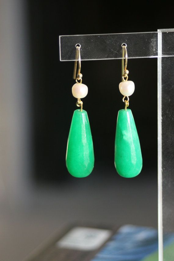 Dangle drop green agate fresh pearl earrings by marysartjewelry, $30.00