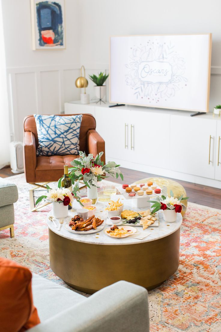 Watch party inspiration for the #oscars thanks to @uber delivering all of our bites and desserts! #ad #whereto #oscars #party #entertaining #athome