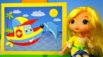 Кораблик из песка! Поделки! Видео для детей! http://video-kid.com/15666-korablik-iz-peska-podelki-video-dlja-detei.html  Иры с песком увлекают всех! А самые маленькие, могут играть с ним часам) Сегодня, куколка Лимоша, приготовила для нас не обычную поделку из цветного песочка! ЕЕ друг, грузовичок, привезет нам много-много разноцветного песка и Лимоша выберет только нужные цвета: красный, синий, желтый и голубой!Весь этот песочек  понадобится, чтобы сделать красивую картину с корабликом и…
