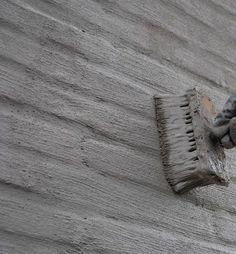cementeren, buitenmuren, muren verven, carport, gevel sausen, geval verven, Arja van Garderen styling, zwart wit en hout, zwartwitenhout.nl, klussen, huis opknappen, klushuis bakstenen muur verven, bakstenen, verf