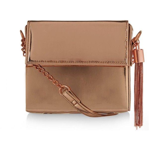 New Look Bronze Metallic Shoulder Bag (£16) ❤ liked on Polyvore featuring bags, handbags, shoulder bags, gunmetal, beige purse, chain shoulder bag, metallic shoulder bag, chain strap purse and bronze metallic handbags