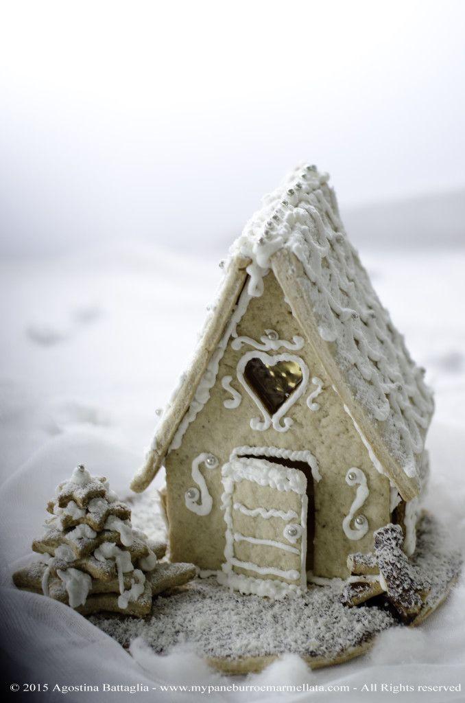 La mia casetta di Pan di Zenzero | My Gingerbread House | http://www.mypaneburroemarmellata.com/2015/12/la-mia-casetta-di-pan-di-zenzero-my-gingerbread-house.html