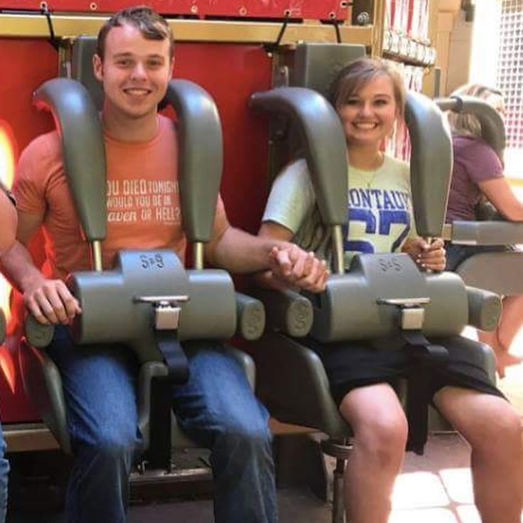 """8 Likes, 1 Comments - I'm Lindsey A Duggar Fan! (@duggar_updates01) on Instagram: """"Pics of the Duggars at SDC"""""""
