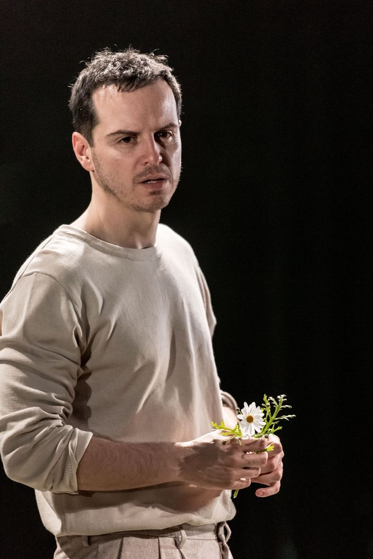 Andrew Scott as Hamlet at the Almeida – what a breathtaking performance!!