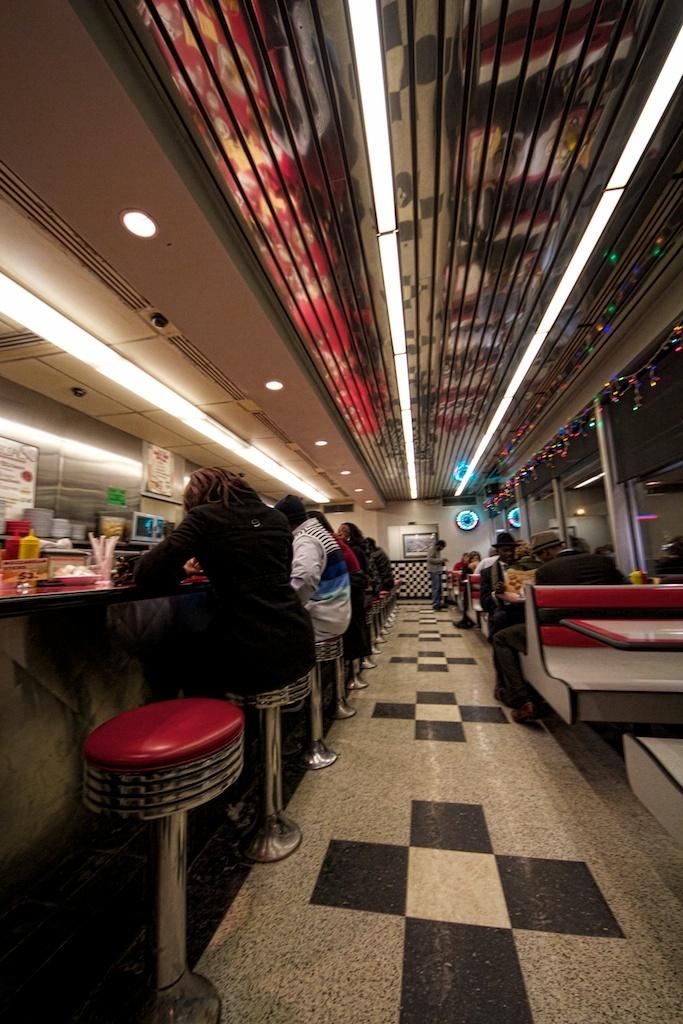 Courtesy Diner on Hampton Avenue, St. Louis ...Chili & Burger! or Devil's Delight