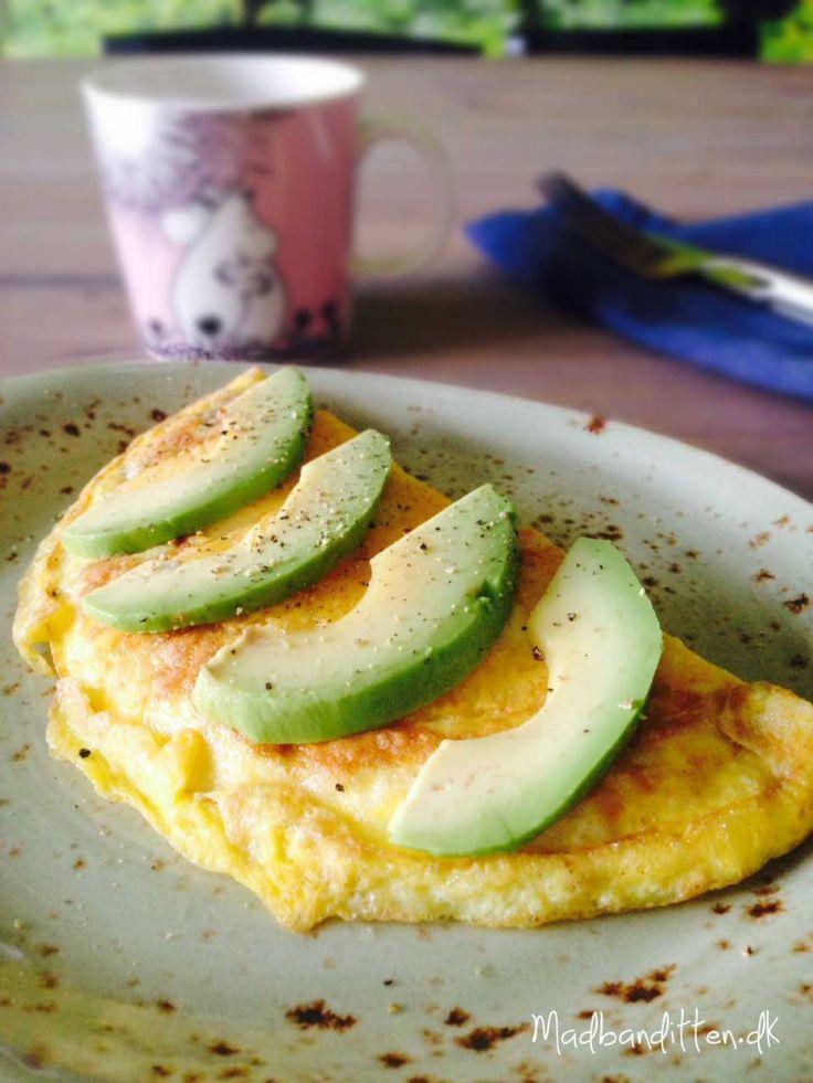 Sprød osteomelet med avocado - LCHF