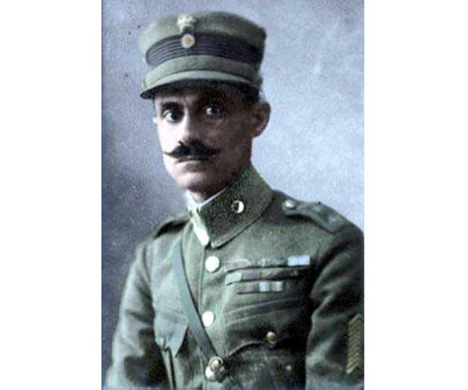 Nikolaos Plastiras (14 November 1883 - 26 July 1953) A proud Hellene, he started off as a volunteer in the 5th Infantry Regiment where he then fought in and joined in the #Macedonian Struggle of 1904-1908 distinguishing himself in battle. As Prime Minister he was extremely popular among the Greek population, a staunch Centrist he constantly preached the need for National Unity between #Greeks, he was loved by the people, and often would give his Prime Ministerial salary to the poor, dying in…