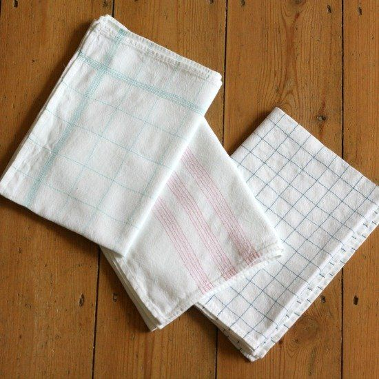 Update your kitchen for spring with this pretty and simple embroidered tea towels. A great project for improving your sewing machine skills.