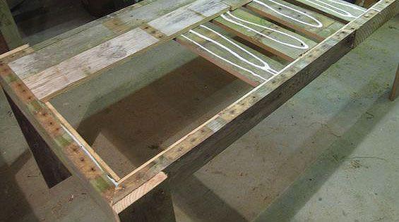 Как сделать стол из поддонов (8)