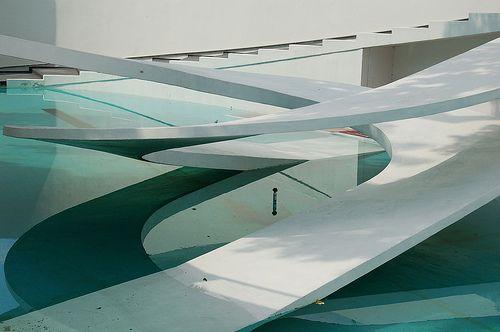Berthold Lubetkin & Tecton | Penguin Pool