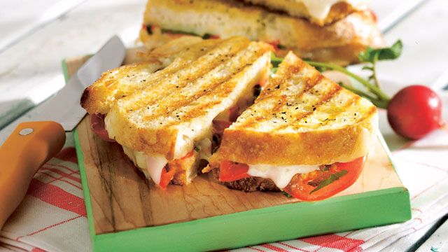 Grilled Margherita Sandwiches - Cooking Club - Scout