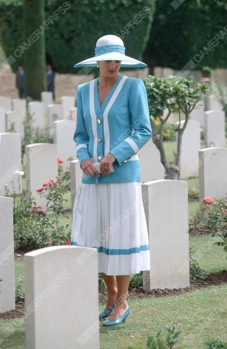 February 12 1992 Princess Diana visits the Commonwealth War Cemetary in New Delhi during the Royal Tour of India