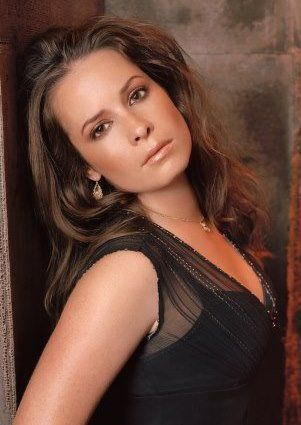 holly marie combs... from ass kicking piper on charmed to the mom on PLL