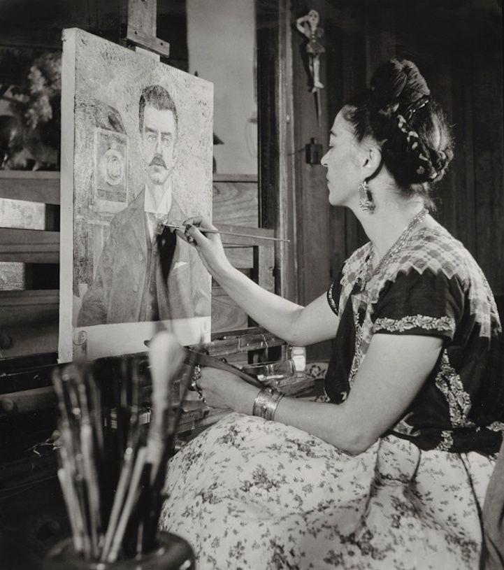 As fotografias são deGisèle Freund (1908-2000) e mostram a intimidade da artista tão renomada e talentosa nos seus últimos anos de vida.Freund, que fugiu da Alemanha nazista em 1933 e tornou...