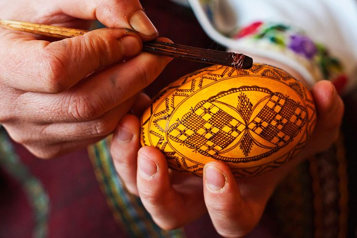 The peasants of Bucovina are undisputed artists who seem to possess magical powers because only magic can turn a simple egg into such an amazing piece of art. #easter #paintedeggs #crafts #romania bucovina #art