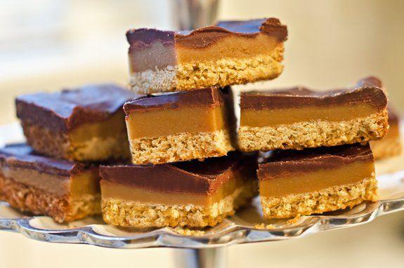 Succombez à la saveur inégalable de ces petits carrés fondants au caramel: vous allez devenir ACCRO!