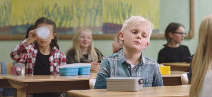 Школьный завтрак. В социальной рекламе призывают создавать фостерные семьи