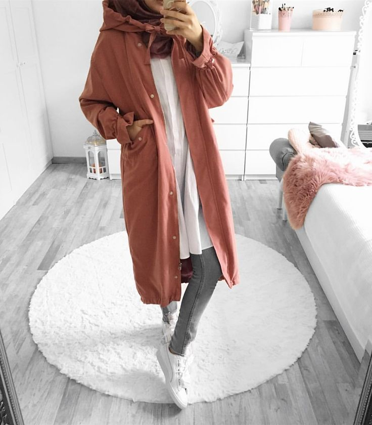 "4,013 Likes, 29 Comments - Ebru (@ebrusootds) on Instagram: "" Sporty Pants / Hose @nakdfashion Hoodie @nakdfashion (In meiner story findet ihr die…"""