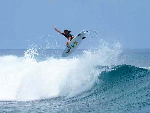 Matt Meola On The Siamese Twin. Watch this surf video now.