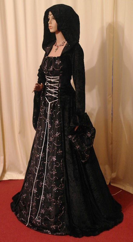 Medieval Gothic Halloween hooded wedding dress - very pretty.  I love the idea of a hooded wedding dress (not black though).