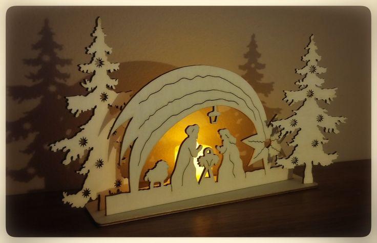 Vánoční betlém se svíčkou Betlém z 3mm topolové překližky. Včetně LED el.svíčky. š- 27cm, v- 15cm. Podívejte se i na další zboží z naší vánoční série: http://www.fler.cz/zbozi/vanocni-ozdoby-na-stromecek-10-ks-6659317