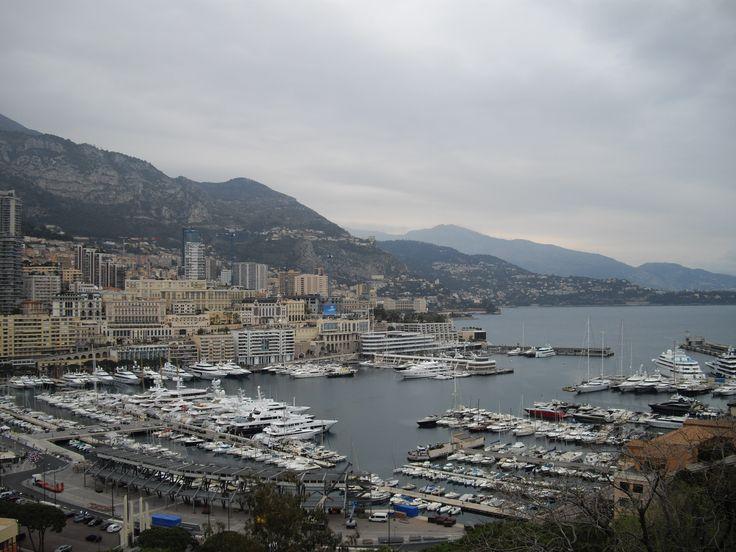 Monaco - Vue sur le port Hercule et Montecarlo. By Stefania Antonelli