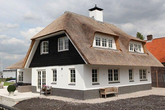 wit huis met rieten dak - Google zoeken