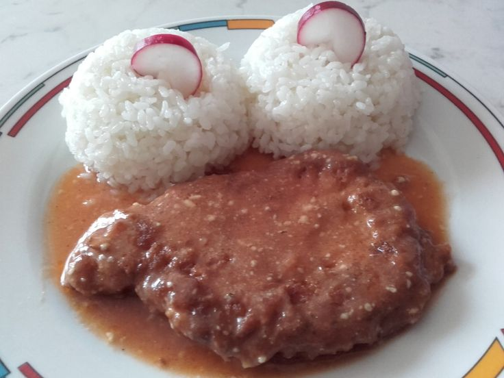 Zapečené řízky s rýží a omáčkou. Autor: Berika