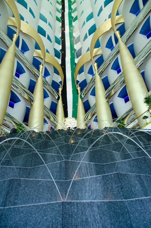 fountains, atrium Burj al Arab