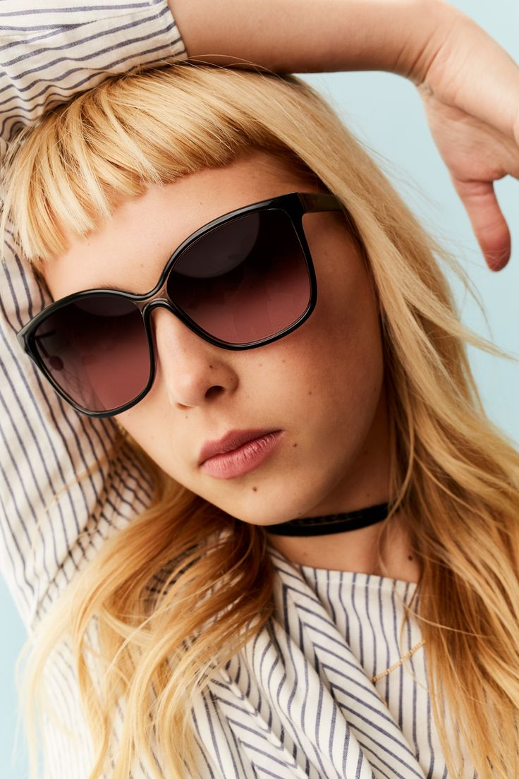 Choker necklace + sunglasses = perfect summer look!