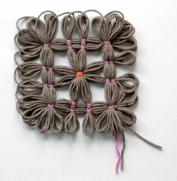 Loom poncho, excerpt, for more languages click here: http://www.prym-consumer.com/prym/proc/docs/0H0H004e2.html?nav=0H0H007iz