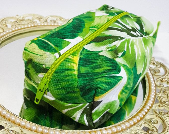 Palm Leaf Makeup Bags, Palm Leaves Bag, Palm Tree Bag, Round Makeup Bag, Palm Makeup Bag, Cute Makeup Bag, Gift for Her, Palm Travel Bag