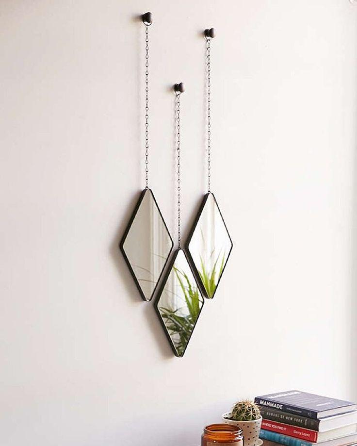 Miroir tryptique, une jolie façon de décorer les murs. #deco #interior #design #miroir #89ruesaintmartin #bobartinparis #boutiquebobart #bobart