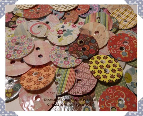 Che belli questi bottoni che prima erano tappi di plastica