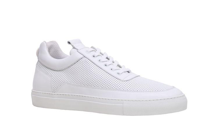 Mariano Di Vaio diventa stilista: ecco la sua collezione di scarpe - Mariano Di Vaio, il famoso fashion blogger, lancia la sua collezione di scarpe, che verrà presentata all'88° edizione di Pitti Immagine Uomo.  - Read full story here: http://www.fashiontimes.it/2015/06/mariano-di-vaio-diventa-stilista-ecco-la-sua-collezione-di-scarpe/