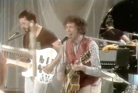 "#07 Doble neck bass guitar of Alexis Korner's band. Video of ""I Got Cha Number"" of Alexis Korner. (https://youtu.be/bti5HVALFfo)"