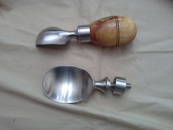Dunnage handle