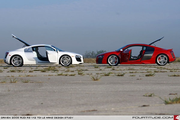 Audi R8 4.2 FSI (left) and Audi R8 V12 TDI (right). Photo by Fourtitude.com
