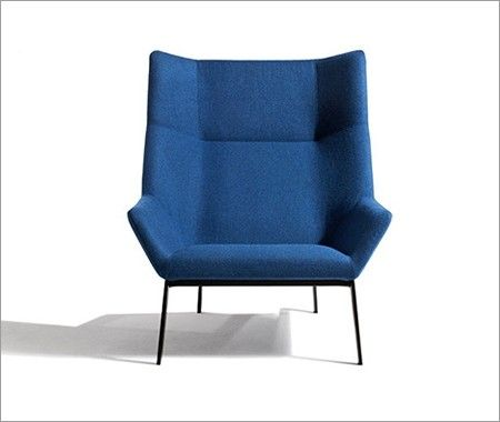 Park Chair - This comfortable lounge chair was designed by 1960s furniture designer Niels Bendtsen.