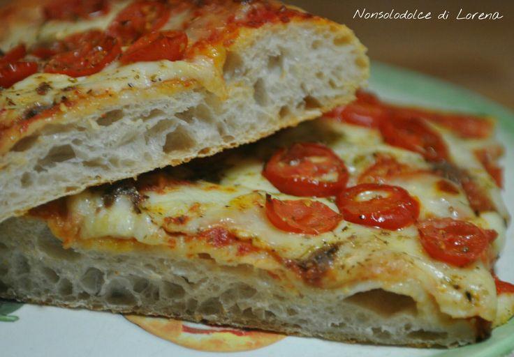 Pizza alta in teglia con lievito madre a impasto diretto - questa è la mia pizza preferita e che ultimamente prepararo spesso a casa mia.