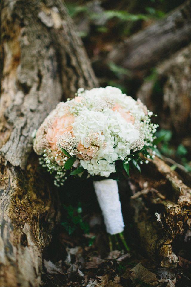 bouquet pêche et blanc