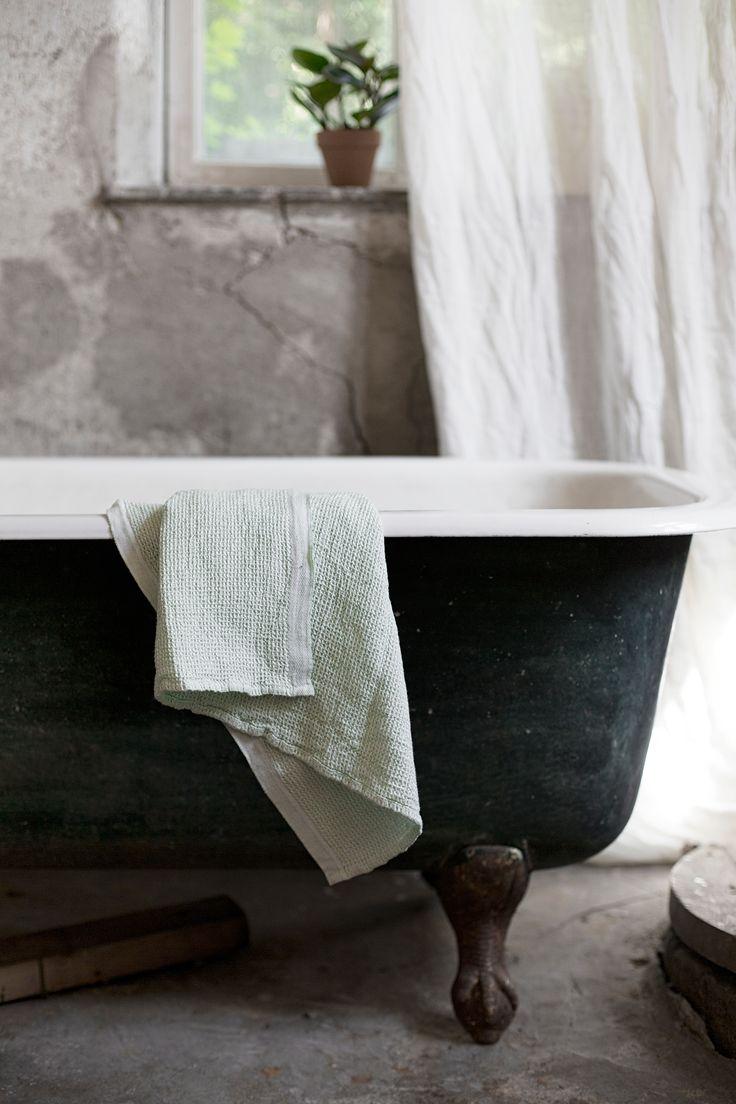 TERVA towel in washed linen-tencel-organic cotton. Woven in Lapua, Finland.