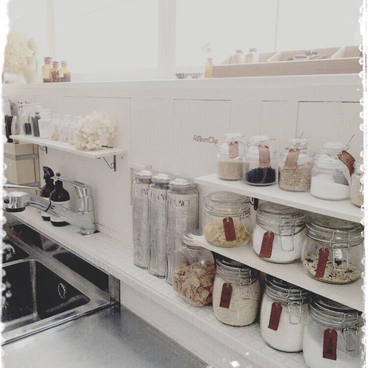 業務用ステンレス作業台/セリアのガラス瓶/ニトリのパスタ入れ/キッチン棚DIY…などのインテリア実例 - 2015-12-07 18:26:31   RoomClip(ルームクリップ)