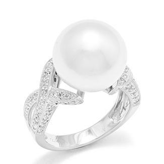 http://www.mauidivers.com/Island-Pearls/_/South-Sea-White-Pearl-Ring-with-Diamonds-in-14K-White-Gold23?s=OToxMjowOjoxNTowLjAwOjo%3d
