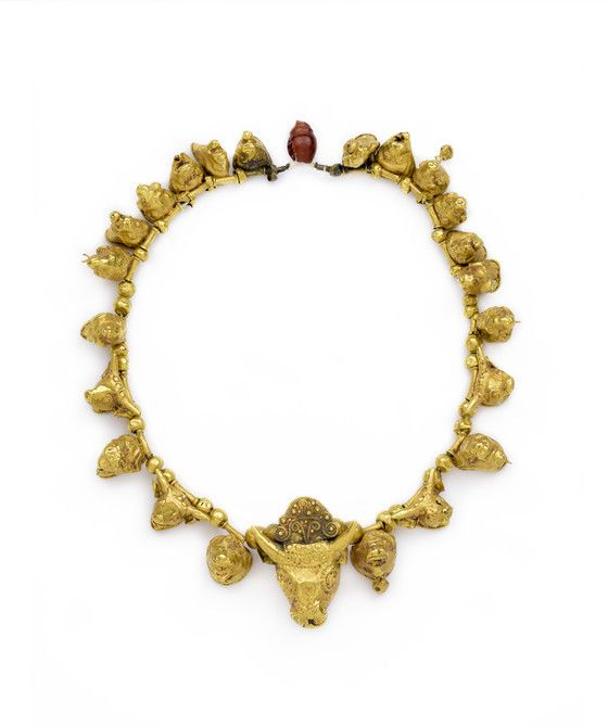 4th  - 3rd century BC  -  Fragment of gold necklace