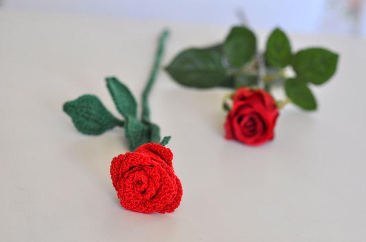 Igår (2 juli)var det Rosens dag. Det firade jag medatt virka en alldeles unik ros. Hela rosen består av enremsa med fyrkanter som utgör varje blomblad. När man rullar ihop …