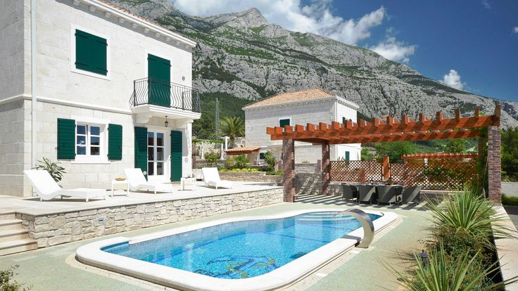 Villas Makarska Croatia - Traditional Luxury Villa with pool Makarska, Luxury Villas with private pools to rent, your perfect Makarska Croatia Villa Holidays - VillasCroatia.com #VillasCroatiaCom