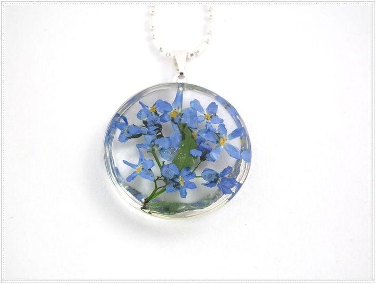 Niezapominajki w żywicy_d280. Resin jewelry. w Flowery Inspirations na DaWanda.com